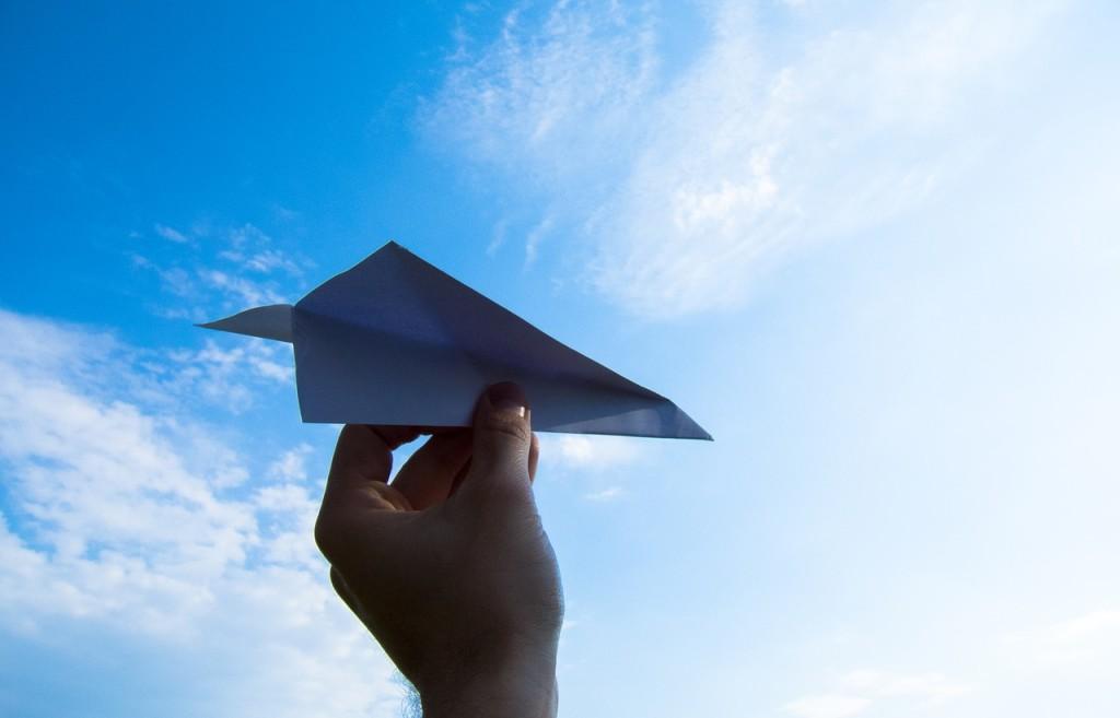 paper-plane-1607340_1280 (1)